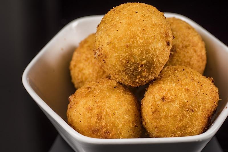 ... aber auch die Mac n Cheese Balls sind geliebt. Zu einem guten Drink schmecken sie gleich doppelt so gu