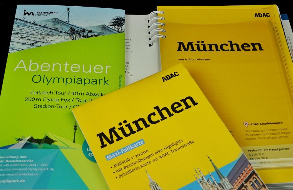 ADAC Reiseführer München - detailliert und mit. Maxi-Faltkarte