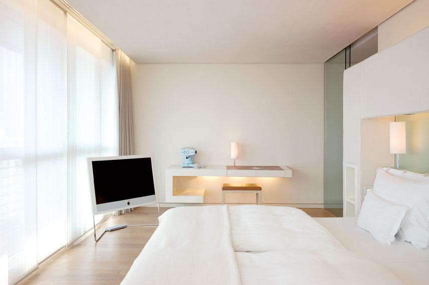 Schlafzimmer in einer Flying Suite im SIDE Hotel Hamburg / © SIDE/Seaside Hotels, Fotograf: Klaus Frahm