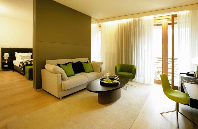 Wohnbereich in einer Suite / © Hotel Therme Meran GmbH