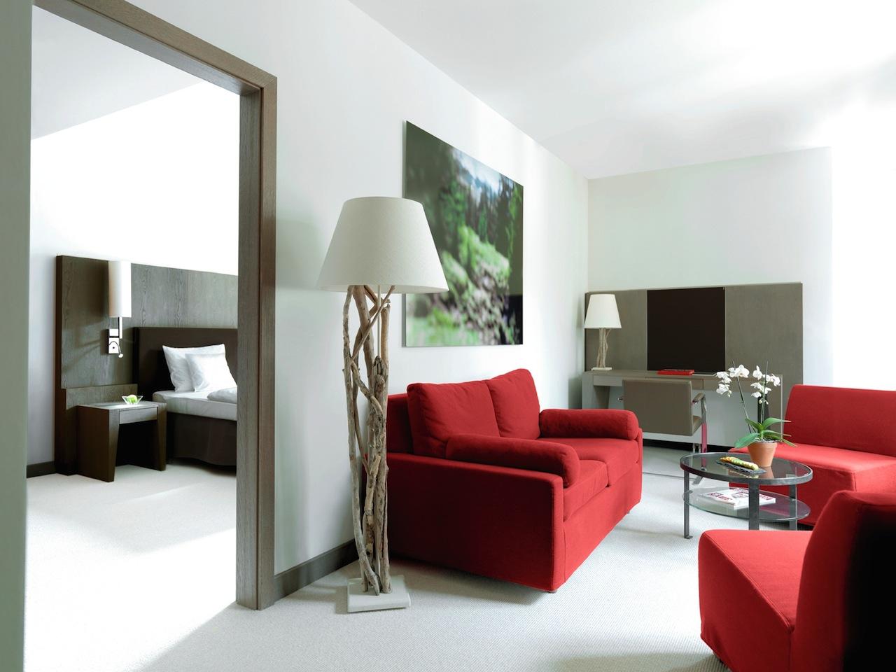 Die Suiten im A-Rosa Kitzbühel sind modern und elegant. Hier residiert auch der luxusgewöhnte Biker gerne / © A-ROSA Resort & Hotel