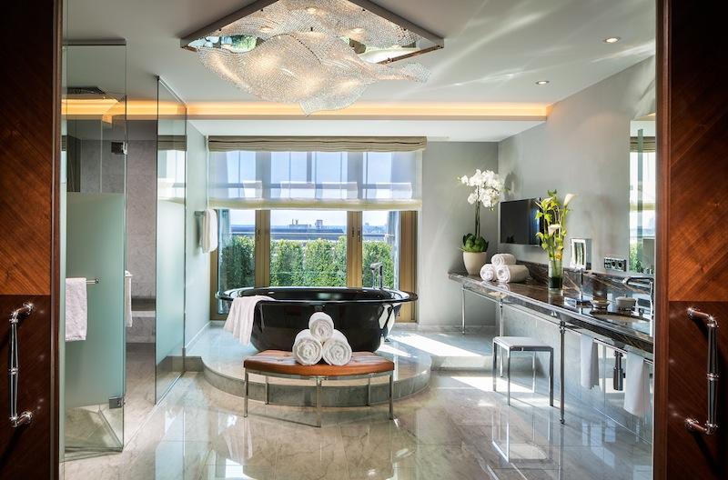 die besten luxushotels in d sseldorf erstklassiger service. Black Bedroom Furniture Sets. Home Design Ideas