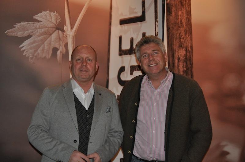 Andreas Conrad, Herausgeber vom Luxus & Lifestyle Magazin LUSTFAKTOR beim Besuch der Weingüter Wegeler mit Inhaber und Geschäftsführer Dr. Tom Drieseberg / © Redaktion Lustfaktor