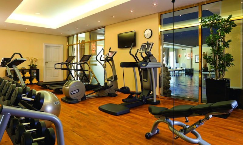 La Fitness Restaurant Row
