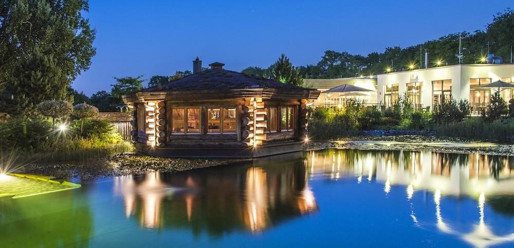 spa sauna therme wellness badwelt in nrw. Black Bedroom Furniture Sets. Home Design Ideas