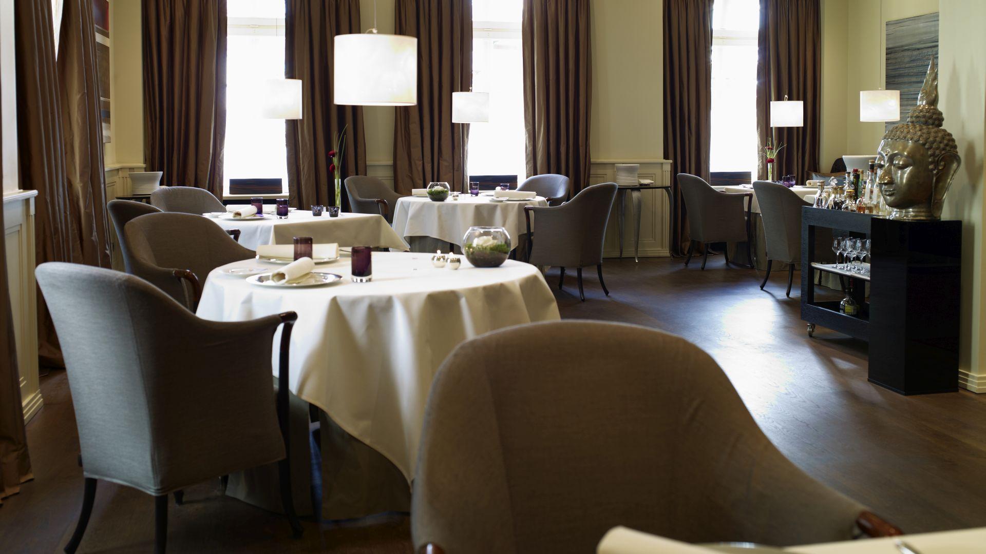 thomas b hner feiert mit seinem 3 sterne gourmet restaurant la vie in osnabr ck 10 j hriges. Black Bedroom Furniture Sets. Home Design Ideas