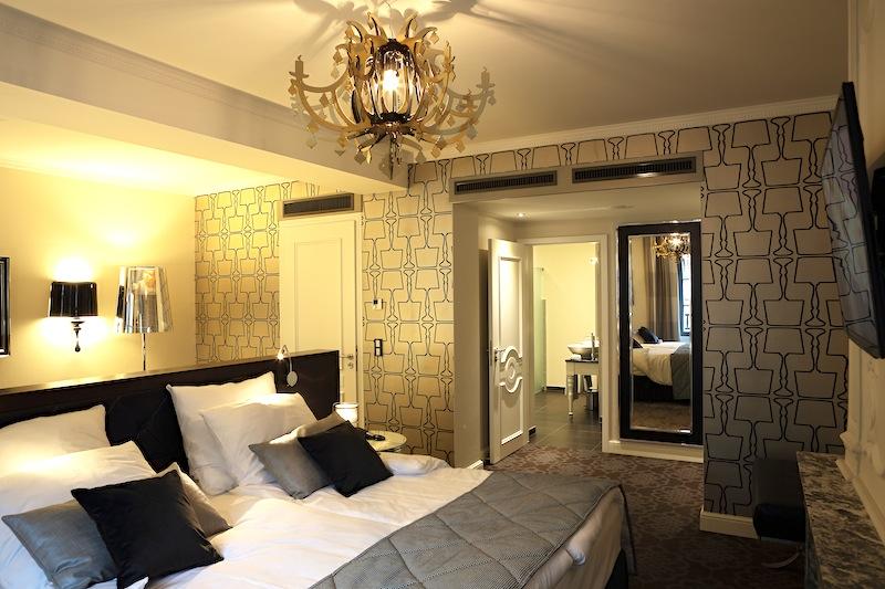 Bei so vielen Kopfkissen in der Classic Suite findet der Gast bestimmt die richtige Schlafposition / © Hotel Le Clervaux