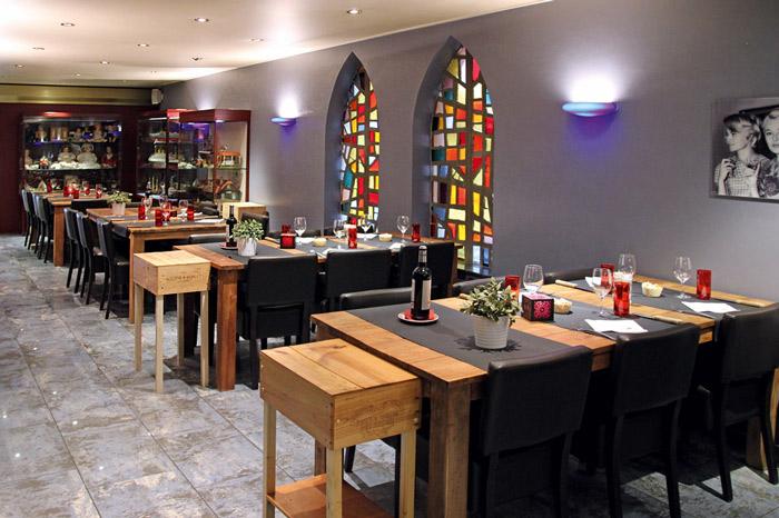 Modernes Design im Restaurant Rhino im 5-Sterne Hotel Le Clervaux. Hier gibt es die besten Fleischspezialitäten in Clerf / © Hotel Le Clervaux