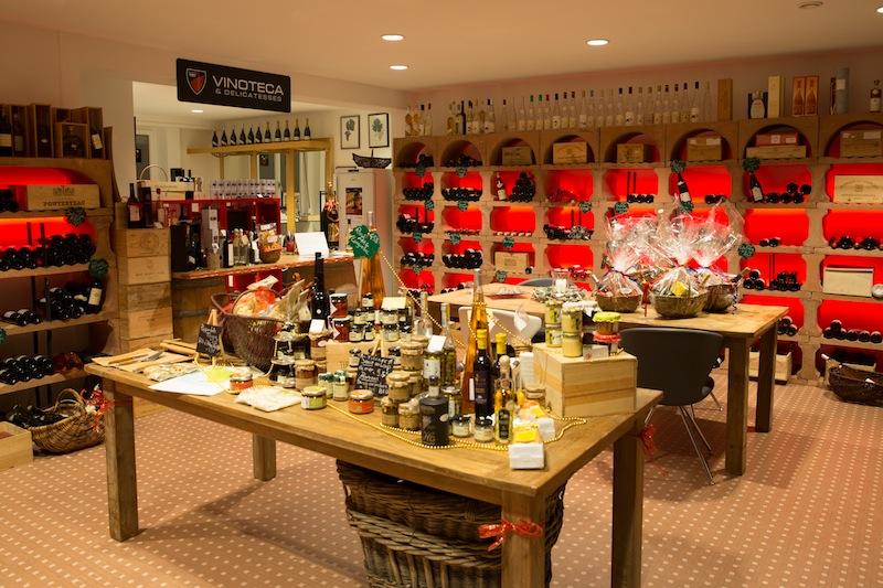 In der Vinoteca in Clerf ruhen wahre Weinschätze und das zu moderaten Preisen. Ein Besuch lohnt sich auf jeden Fall / © Hotel Le Clervaux
