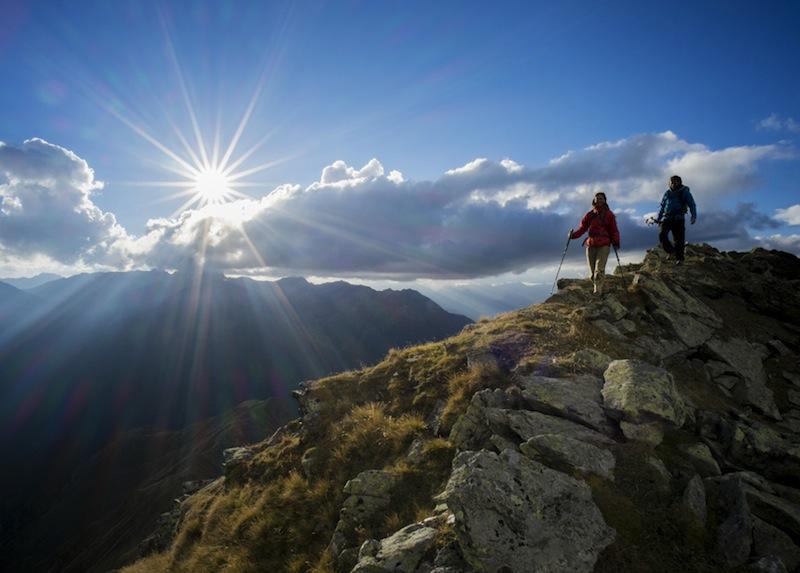 Mountainbiking und auch Wandern gehört zu den Lieblingsbeschäftigen der Touristen. Hier zu sehen der Oltroggeweg, Stubaier Alpen in Tirol / © Aqua Dome