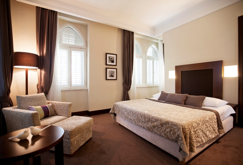 Die Royal Suite in der Villa Orsula in Dubrovnik ist stilvoll eingerichtet. Die Farben sind harmonisch aufeinander absgestimmt /© Adriatic Luxury Hotels