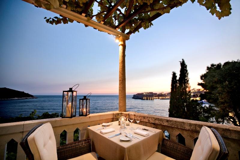 Wo kann man einen Abend besser ausklingen lassen als auf der Terrasse der Villa Orsula in Dubrovnik / © Adriatic Luxury Hotels