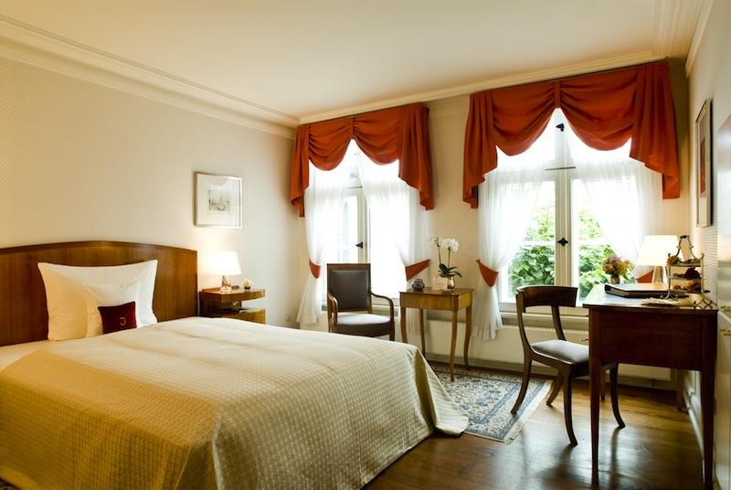 Auch zum Garten hin lässt es sich im Hotel Louis C. Jacob sehr ruhig schlafen / © Louis C. Jacob