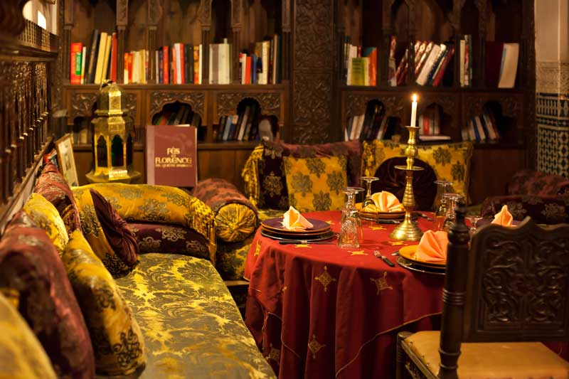 riad oder hotel marokko f s riad arabesque in f s marokko. Black Bedroom Furniture Sets. Home Design Ideas