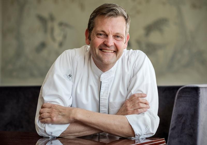 Wie Thomas Martin seine Ausbildung im Anglo-German Club antrat, ahnte er noch nicht, wohin ihn seine Liebe zum Kochen bringen würde / © Louis C. Jacob