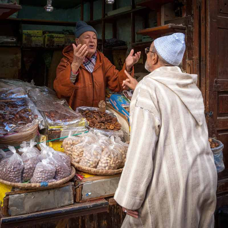 In jedem Laden und bei jedem Händler lässt sich auch über Preise reden. Traditionell bedeutet den Menschen das Feilschen aber mehr, als nur den Preis zu reduzieren / © Lustfaktor, Foto Georg Berg