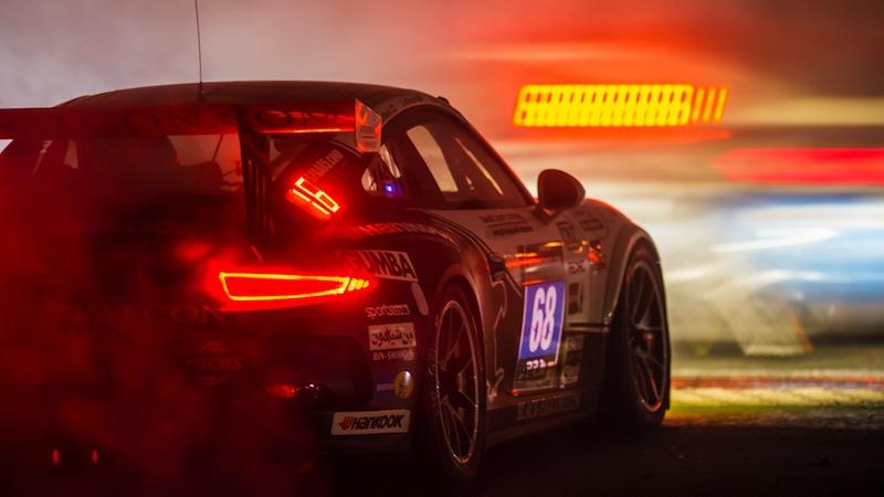 Einen fehlerfreien Job machten die Fahrer der Nummer 68 auch während der Nacht und blieben ungefährdet an der Spitze der Porsche Klasse 991