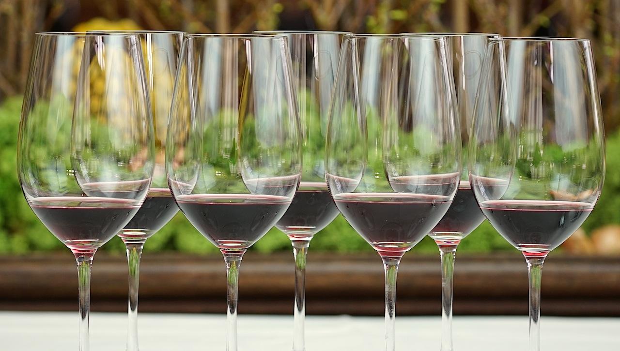Bei der Weinprobe sollten einige Regeln eingehalten werden, so dass eine Vergleichbarkeit vorhanden ist