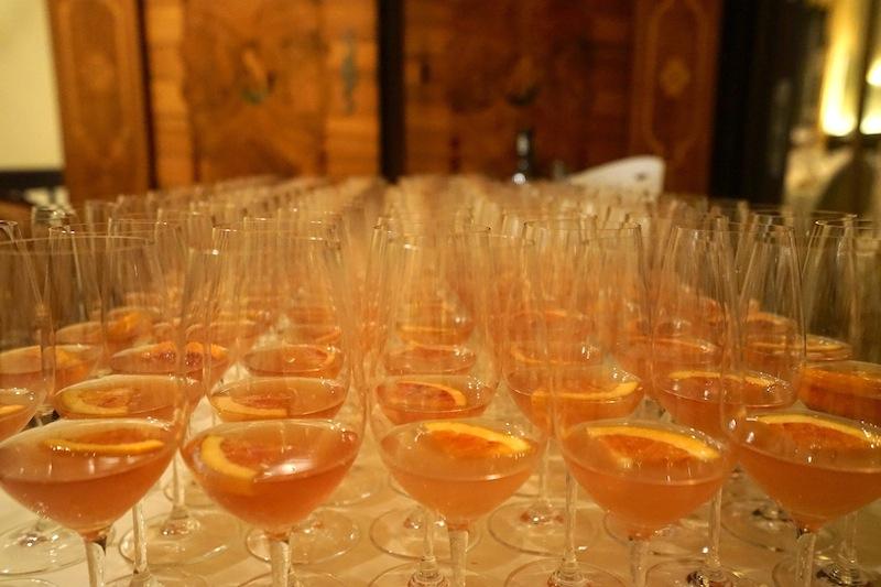 Für Weingenießer stellte diese Veranstaltung eine ideale Gelegenheit dar, sich an neue Entdeckungen für den hauseigenen Weinkeller zu wagen. Dabei durften nicht nur Riesling und Pinot Noir verkostet werden, sondern der geneigte Entdecker erfuhr jede Menge Wissenswertes um den Tropfen im Glas.Weinverkostungen kommen bei den Gästen gut an