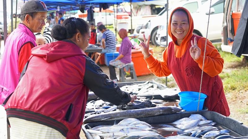 Die Produkte vom Fischmarkt sind stes frisch; zu Hause in der heimischen Küche angerichtet, ergeben sie ein feines Gericht