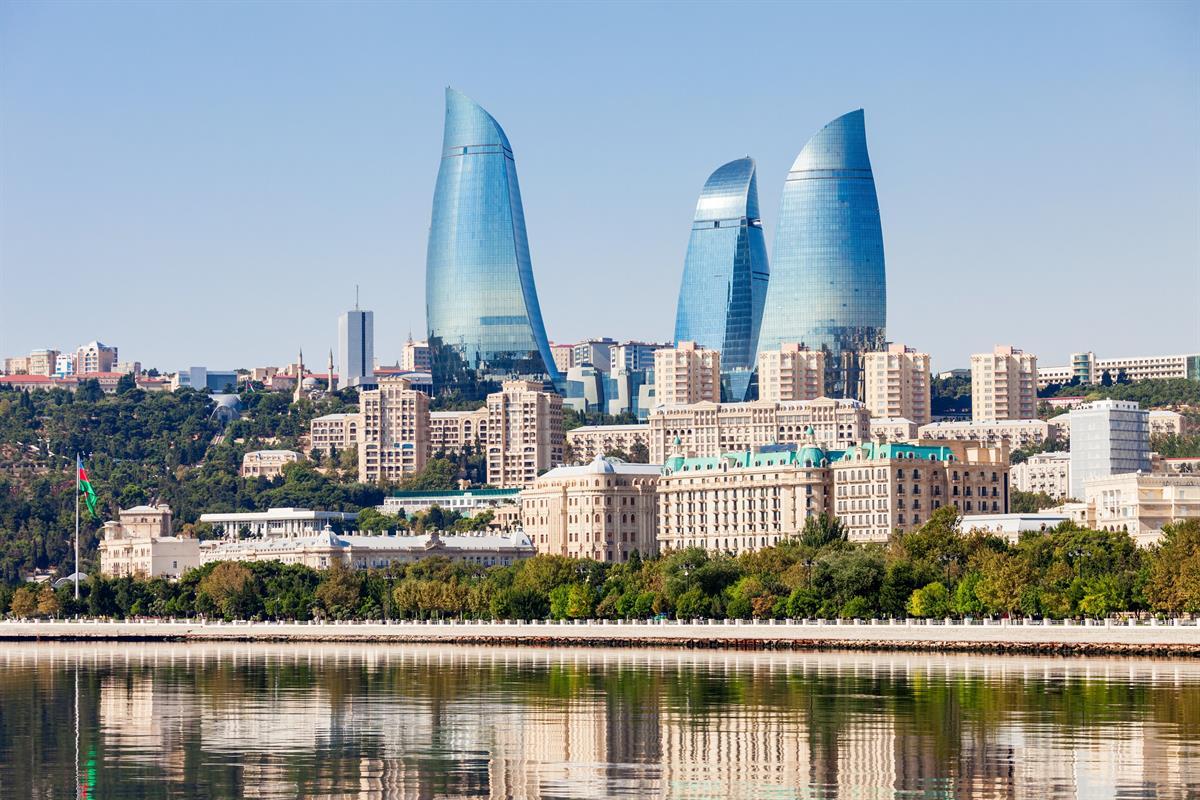 Die Landeshauptstadt Baku gehört mit zu den schönsten in Aserbaidschan