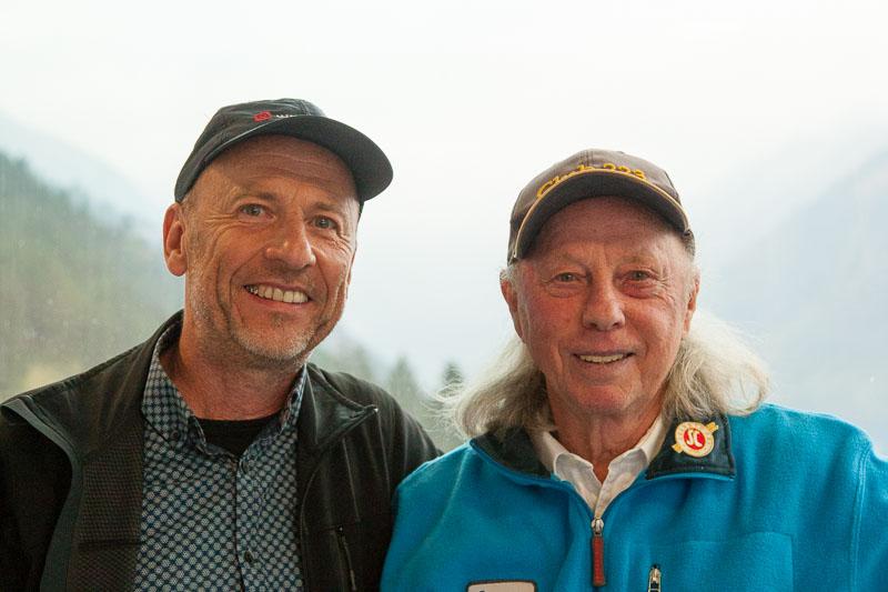 Lustfaktor-Fotograf Georg Berg freut sich über eine Begegnung mit dem ersten deutschen Sieger der Vierschanzentournee, Max Bolkhart