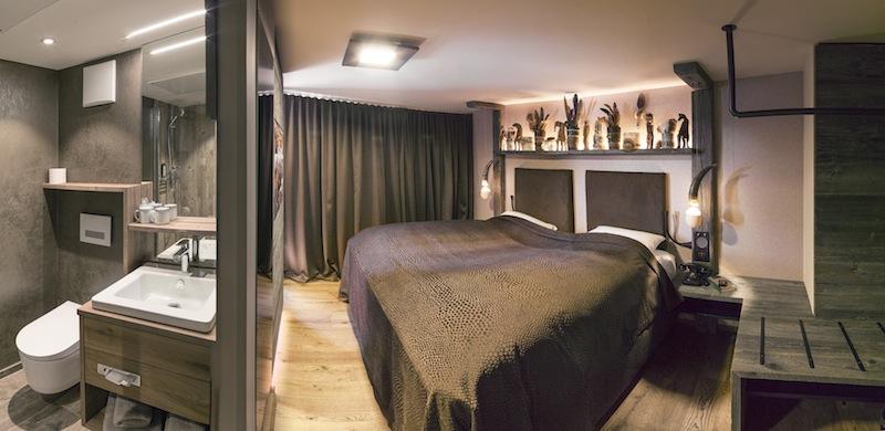 die gr te gin bar der welt kufstein sterreich wir berichten. Black Bedroom Furniture Sets. Home Design Ideas
