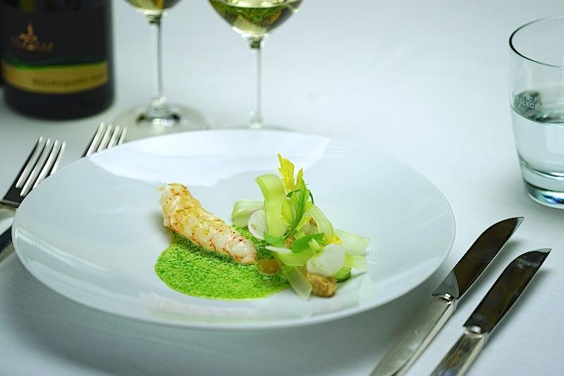 Tohrus Langoustine mit Sellerie und Fingerlimes begeisterte die Feinschmecker auf dem 21. Rheingau Gourmet & Wein Festival