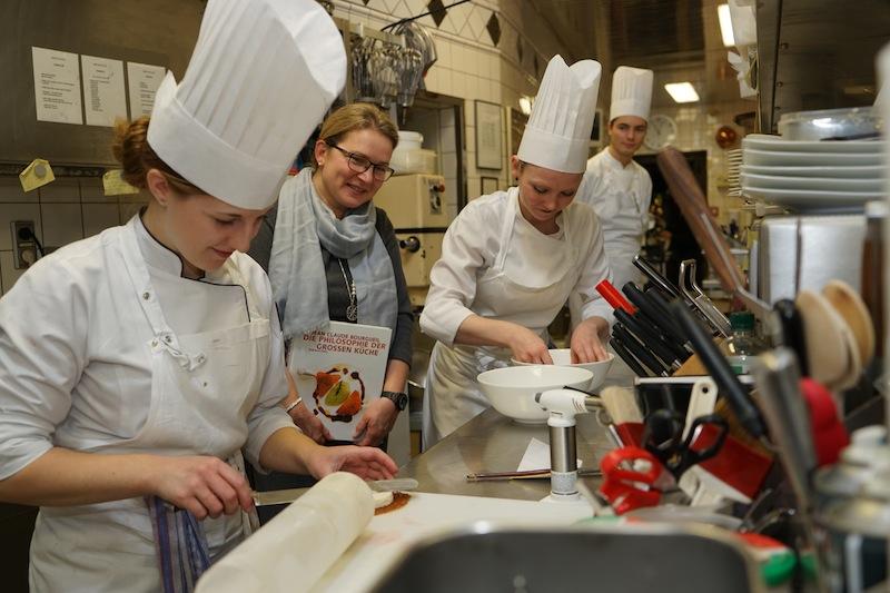 Frauenpower ist in der Küche angesagt....