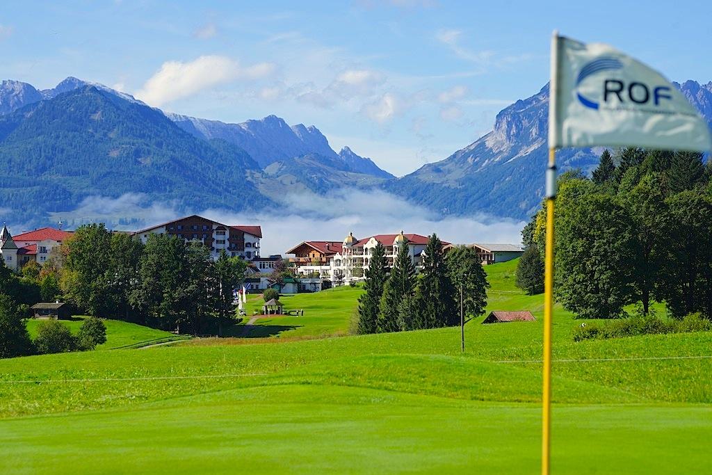 Die schönsten Golfplätze der Welt: Reit im Winkl-Kössen - die 18-Loch Anlage ist Europas erster grenzüberschreitender Golfplatz