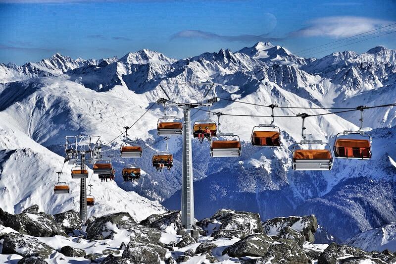 Aus dem gesamten Skigebiet Ischgl-Samnaun besuchen Liebhaber von saftigen Steaks das Restaurant The Saint