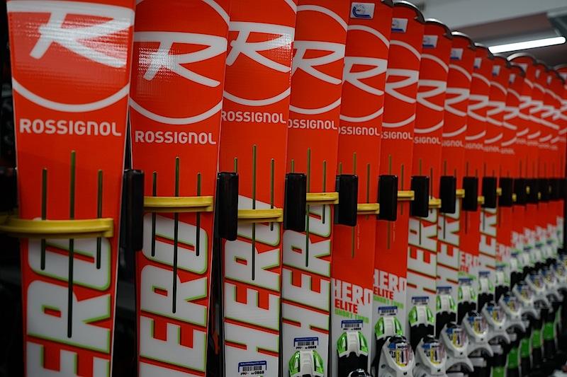 Das neue Material wartet auf ambitionierte Skiläufer