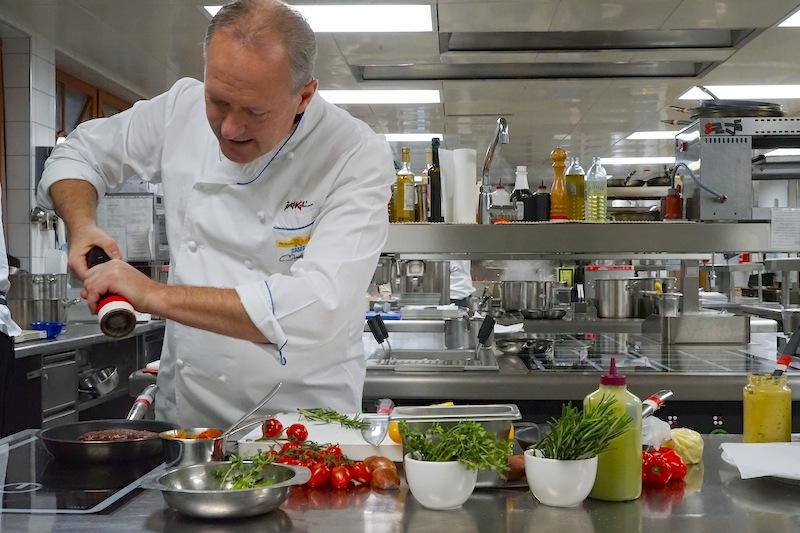 3 Hauben Koch Martin Sieberer ist Herr über die Kulinarik im Luxushotel Trofana Royal in Ischgl
