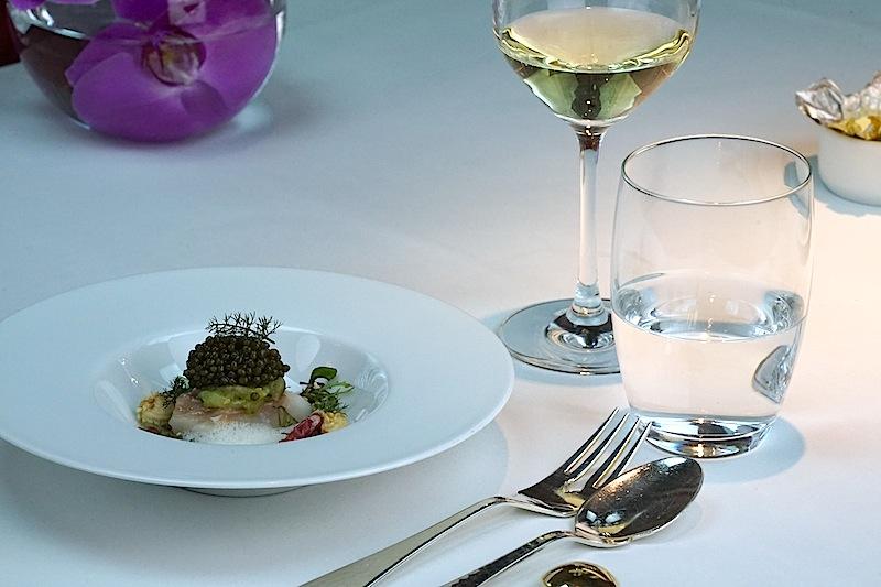 Mit einem Stern vom Guide Michelin wird die Küche von Patrick Bittner seit 10 Jahren ausgezeichnet. Das Francais gehört zu den besten Restaurants der Frankfurter City