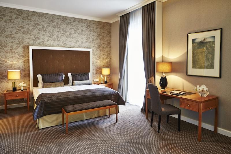 Die Deluxe Zimmer: Eleganter Wohnkomfort in wohltuenden warmen Farben