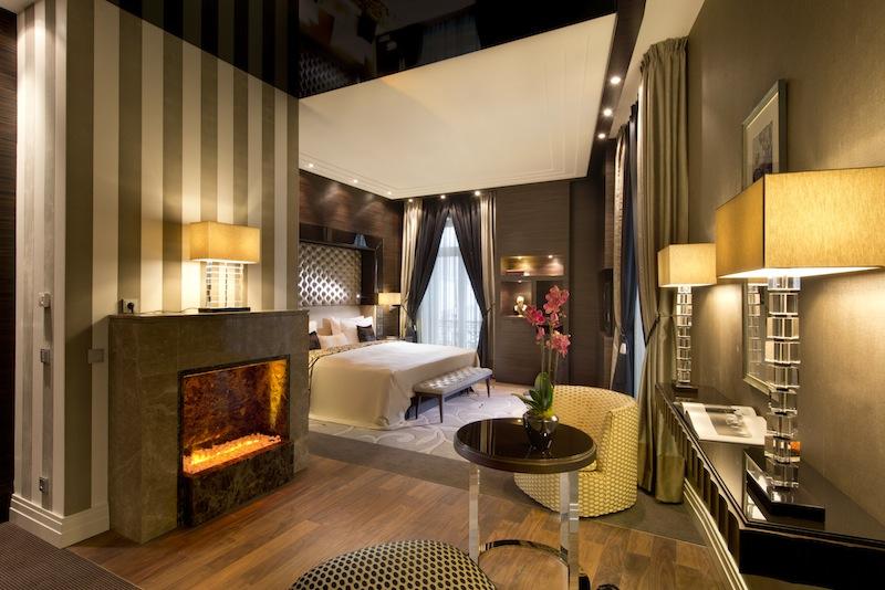 Die Aura eines Grand Hotels ist in jedem Winkel des Frankfuter Hofs spürbar, wie hier im Schafzimmer der Royal Suite