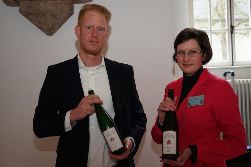 Dipl. Ing. Weinbau & Oenologie Christine Müller (re.) vertrat Schloss Vollrads auf der VDP Veranstaltung im Kloster Eberbach/ © Redaktion frontrowsociety.net