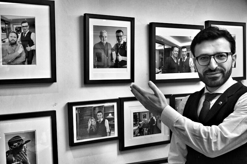 Mounir Damlkhi ist stolz auf seine Kunden, zu einigen hat er eine besondere Vertrautheit, so zum US-amerikanischen Investor und Milliardär George Soros. Hier hegt Mounir Damlkhi eine langjährige Verbindung und fliegt 2-3 mal im Monat nach New York - denn Herr Soros wünscht ausschließlich die Barbierkünste von Mounir Damlkhi