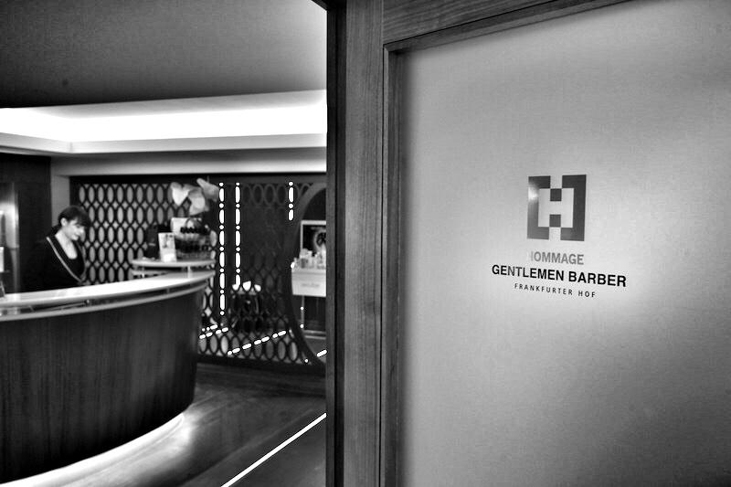 Mounir Damlkhis Gentlemen Barber Salon ist im Spa-Bereich des 5 Sterne Steigenberger Hotels Frankfurter Hof beheimatet