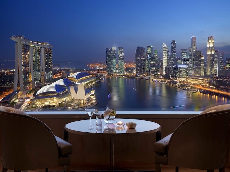 Aus dem Luxushotel The Ritz-Carlton, Millenia Singapore hat der Gast eine traumhafte Aussicht