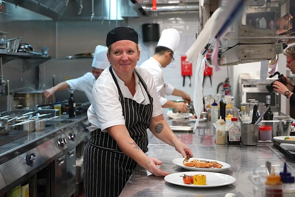 Chef de Cuisine ist die in Australien geborene Heidi Flanagan. Sie gibt in der Küche den Ton an