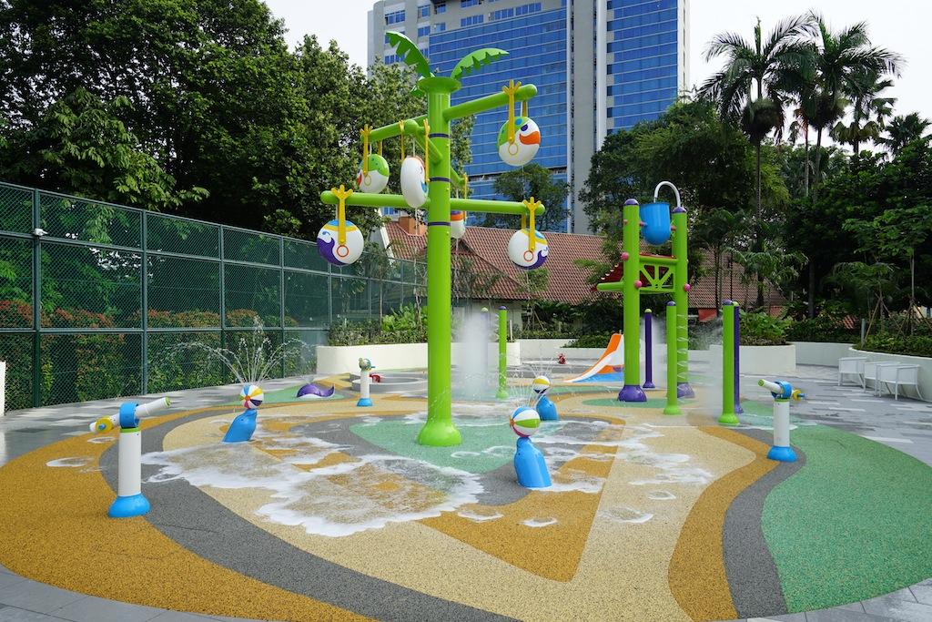 Der 1300 Quadratmeter große Spielbereich im Freien ist bei jungen sowie älteren Kindern sehr beliebt