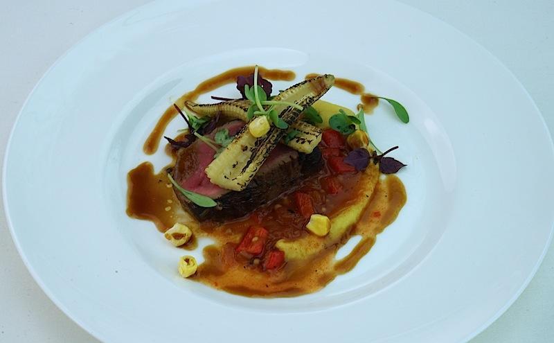 Simon Stirnal, Küchenchef im Hotel Kronenschlösschen in Hattenheim, hatte sich kulinarisch Richtung Mittelamerika vorgewagt. Das Flap Meat Steak mit Mais und Chipolte umwehte ein Hauch von Mexiko