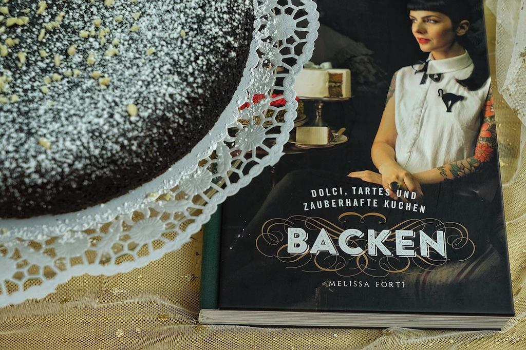Das erste Backbuch von Melissa Forti gibt Einblicke in ihre Philosophie des Backens. Gebäck mit Inspiration, Authentizität und italienischem Charme