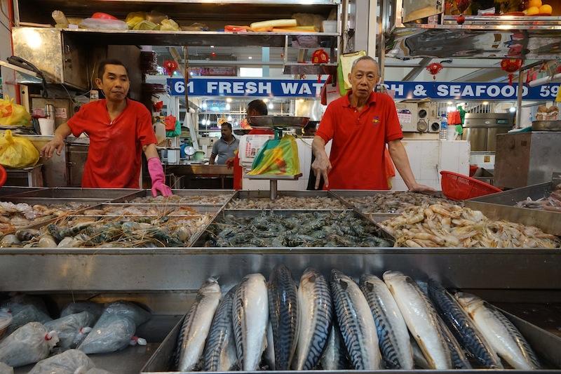 Auf dem Märkten gibt es jede Menge frichen Fisch und Schalentiere