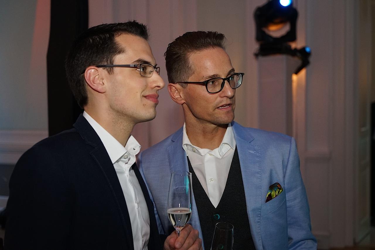 Zu den Gästen zählten auch Enrico Ungermann (/re.), Direktor sowie Michael Nemecek (li.) F&B Manager; beide aktiv im Empire Rivderside Hotel in Hamburg
