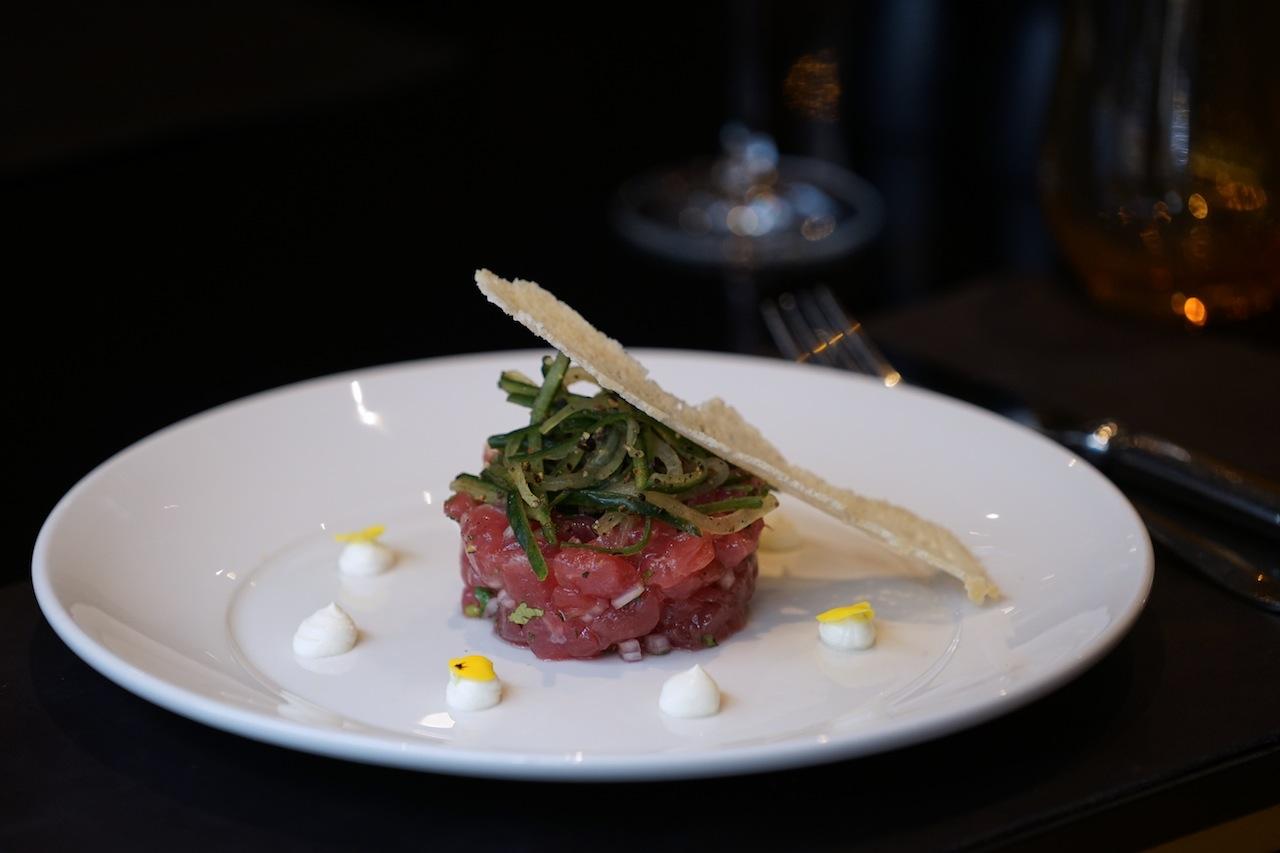 Das Tatar vom Gelbflossen-Thunfisch sollte man sich bei einem Besuch in der Brasserie Oscar's nicht entgehen lassen