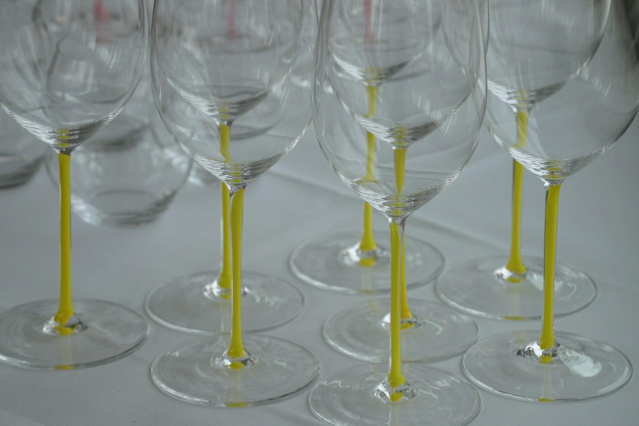 Rebsortenspezifische Gläser zu nutzen, ist ein Muss für jeden Weinliebhaber. Hier im Bild Riedel-Gläser der Serie Fatto A Mano, welche mit einer speziellen venezianischen Technik hergestellt werden