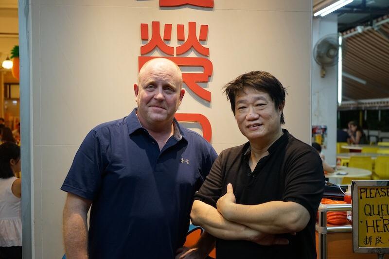 Ein bekanntes Gesicht aus TV und Medien ist KF Seetoh (re.). Er setzt sich in Singapur für Singapurs-Foodszene ein