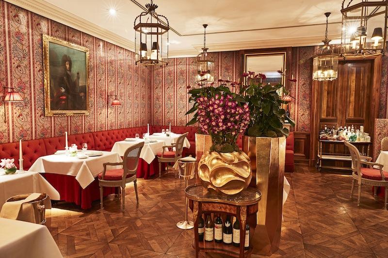 Die Höhe der Räumlichkeiten, gepaart mit der romantisch barocken Einrichtung vermitteln dem Gast das Gefühl, in einem herrschaftlichen Dining Room zu speisen